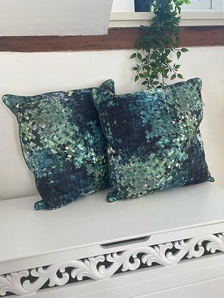 The hudson cushion x 2