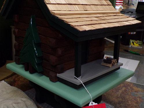 1  Cluster Log Cabin Post Birdhouse