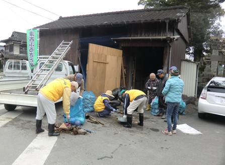 1月 宝珠川の清掃