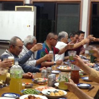 松永新会長を迎えて乾杯を行う