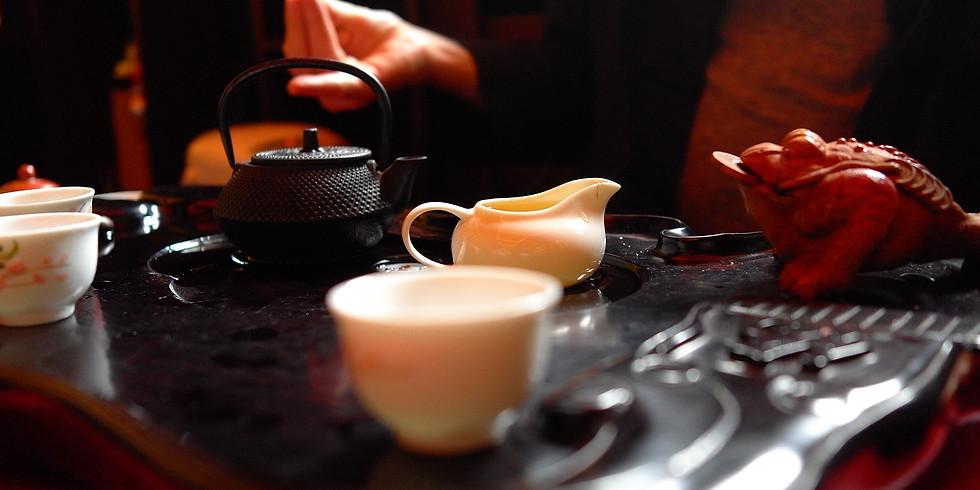 Групповая медитация и чай.