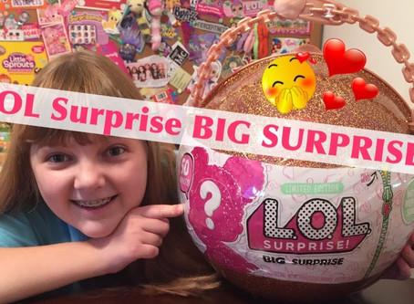 Reviewing L.O.L. Surprise - Big surprise
