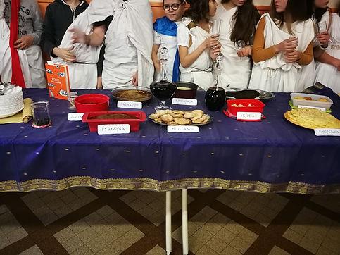 banquet romain 2.jpg