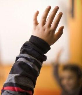 mains levees.jpg