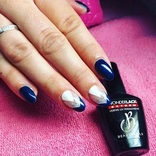 Le superbe bleu nuit de chez #beautynail Nature d'ongles var 83170 brignoles