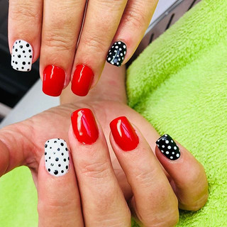 pose de gel sur ongles naturel et nails art brignoles 83170