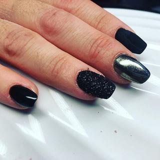 Mixte de noir brillant mat et argent #noel Nature d'ongles var 83170 brignoles