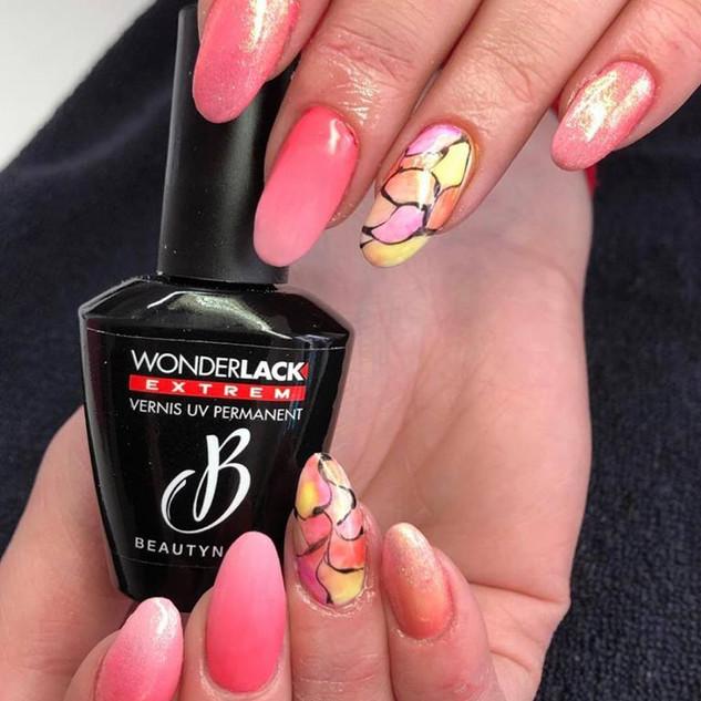 ongles en acrylic