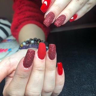 Rouge toujours 😍 #ongles #nails #christmas Nature d'ongles var 83170 brignoles