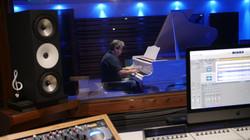 Karem_studio_piano