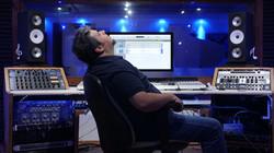 Karem_listen