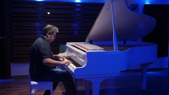 Karem_piano.JPG