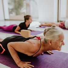 Pranacore_Yoga_Happy_Practice_Dhanurasan