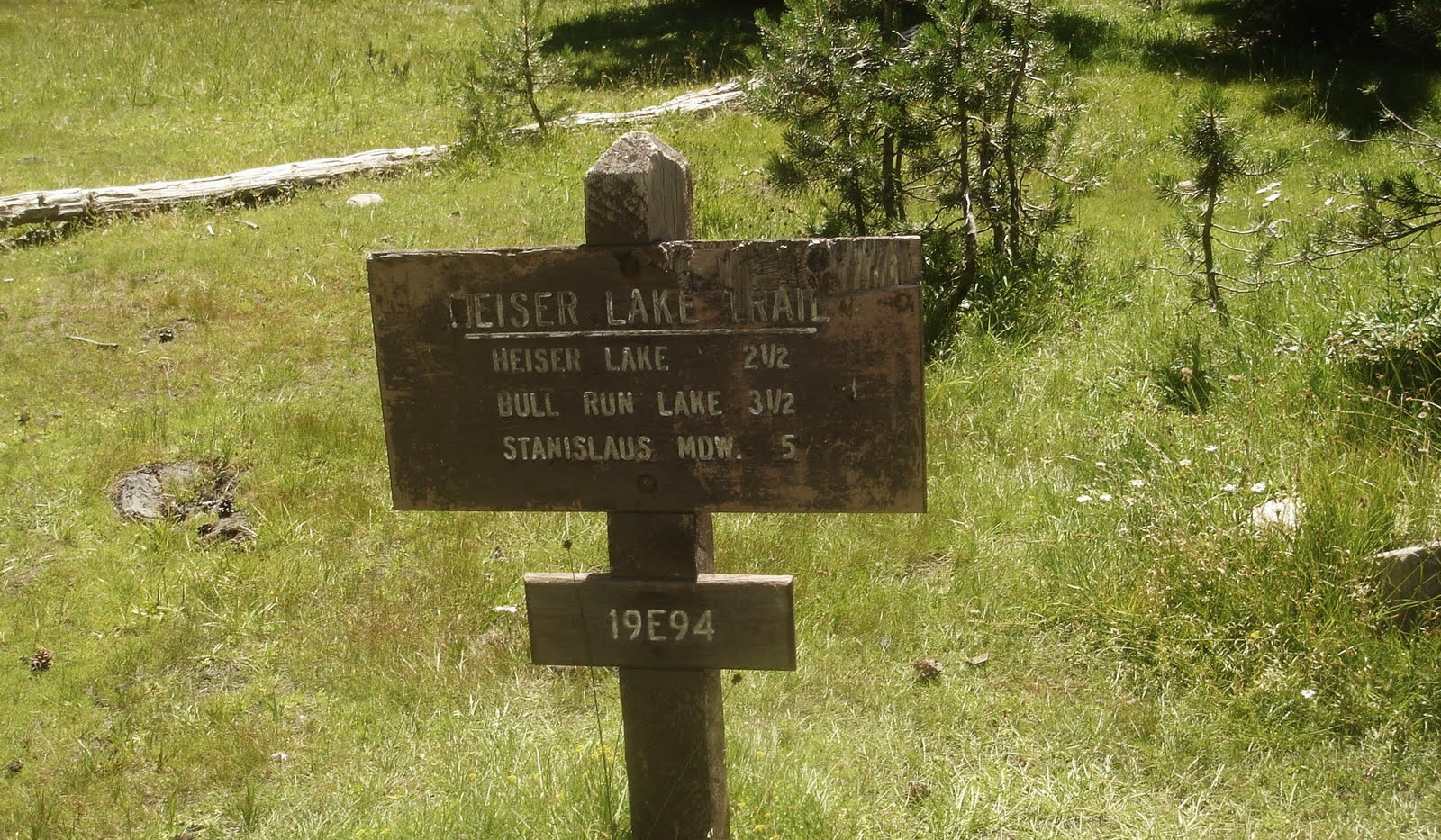 Mosquito Lake Trail Sign.jpg
