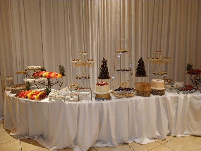 Wedding sweets table by Arnolds Home of Sweets, music  by Rondo String Quartet.  www.RondoStringQuartet.com