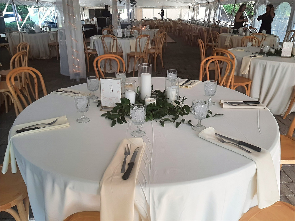 Dinner table setting for a wedding at the Medalist Golf Club. Music by Rondo String Quartet. www.RondoStringQuartet.com