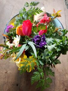 spring maket bouquet