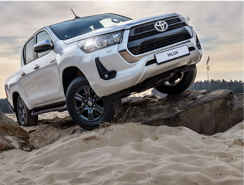 toyota-hilux-main-8.png