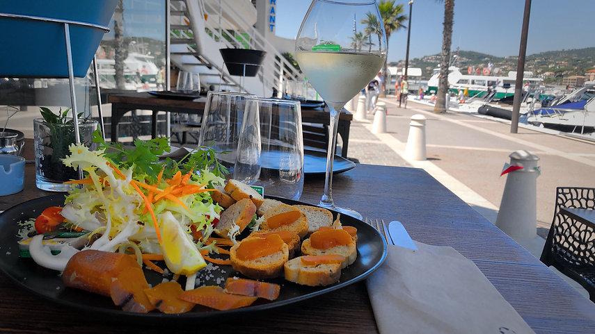 Assiette Memmi Boutargue, Bar à huitres Daniel Coquillages Sainte Maxime