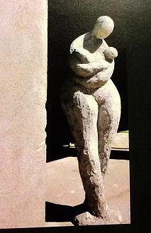 sculptur d'extérieur thème de la maternité angers laure duquesne sculpteur
