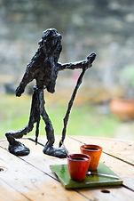 sculpture en fil de fer et plâtre patiné réalisée sur commande pour un pélerin de saint Jacques angers laure duquesne sculpteur