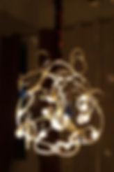 lustre modele unique,   eclairage à LED, pampilles en verre soufflé angers laure duquesne
