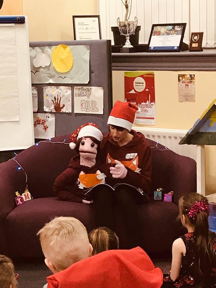 Big Debz and Little Debz sharing a Christmas story