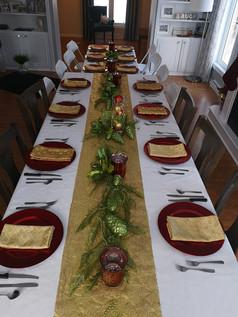 holiday table setup