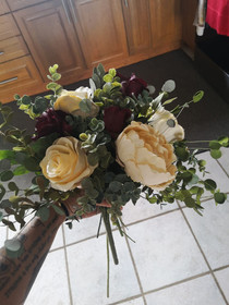 burgundy and ivory messy bouquet