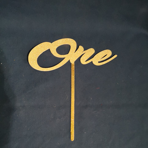 gold written table number
