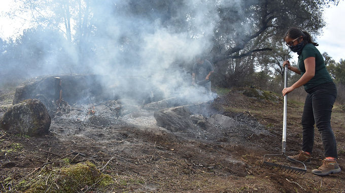 Manos en la tierra, corazón en la comunidad: Incendios culturales recurrentes