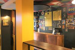 Pigalle centre bar