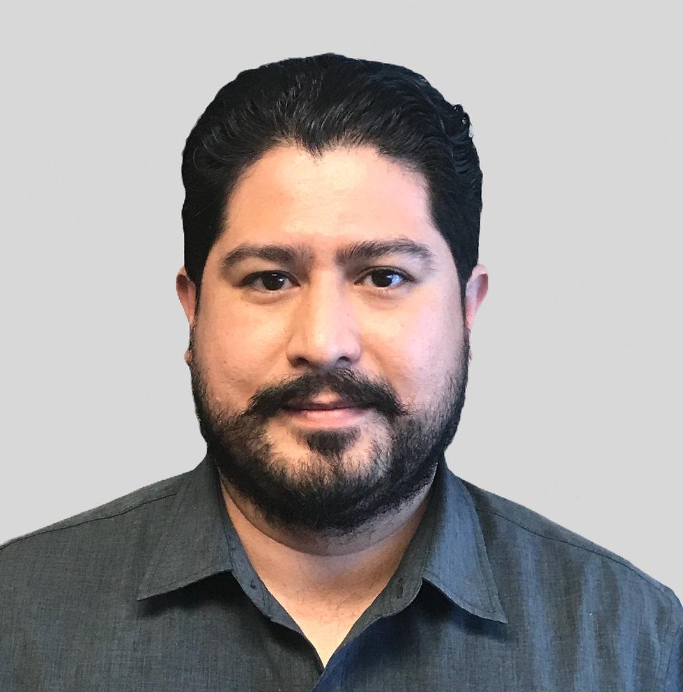 ARTURO ALVAREZ