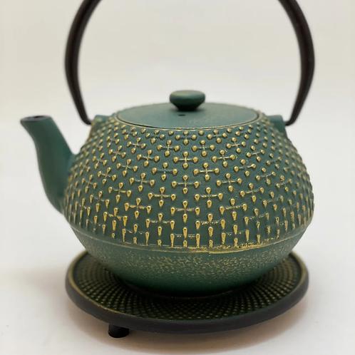 Teekanne aus Gusseisen - Grün/Gold Inhalt 0,8 l