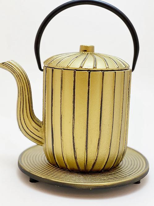 Teekanne aus Gusseisen - Gold Inhalt 1,0 l