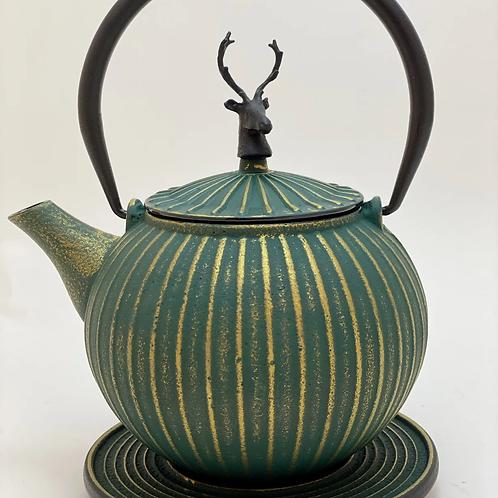 Teekanne aus Gusseisen - Grün/Gold mit Hirsch 0,8l
