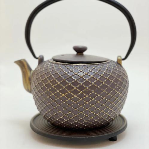 Teekanne aus Gusseisen - Antrazit/Gold Inhalt 0,9 l