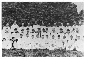 Choir-1895-small-size-300x207.jpg