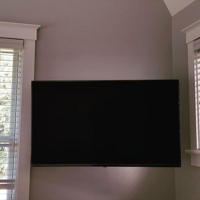 Another successful flatscreen install