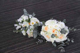 Bride's and Bridesmaid's Bouquets.JPG