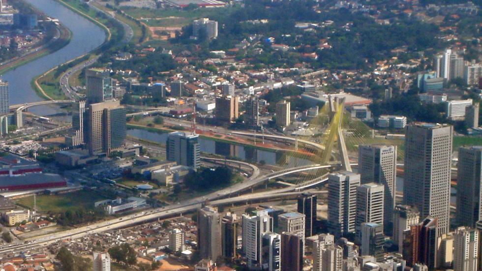 Octavio Frias de Oliveira, Brazil