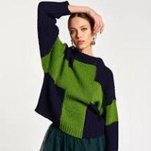 Essentiel Antwerp Amboselli sweater with cross
