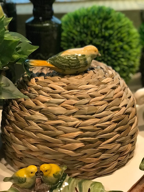 Cúpula de taboa com passarinho