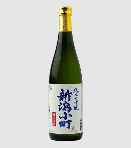Takano Shuzo Niigata Komachi Junmai Daiginjo Sake (720 ml)