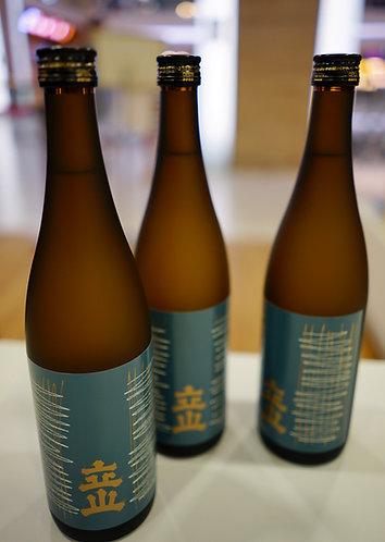 Tateyama Honjozo Sake (720 ml)