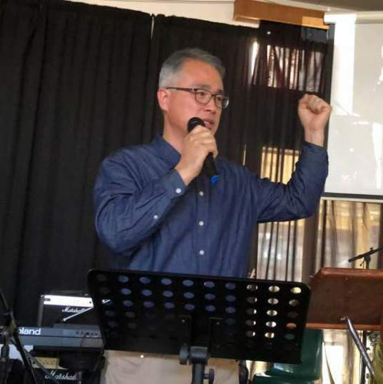 Hee Park speaking in Pastor Conference in Pittsburgh, South Africa
