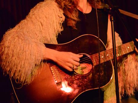 Laura Oakes Presents with Kerri Watt & Twinnie - The Green Note