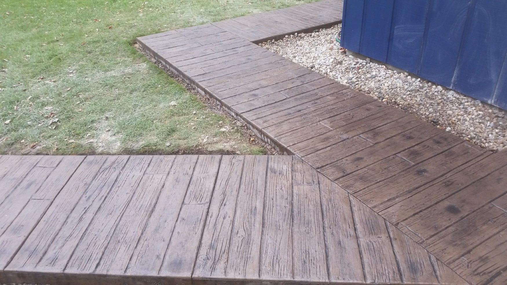 Woodplank Acorn with Dark Gray Release2.
