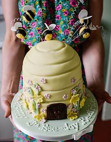 Southwell Cakery birthday cake maker Nottinghamshire