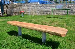 ספסל מעץ גושי
